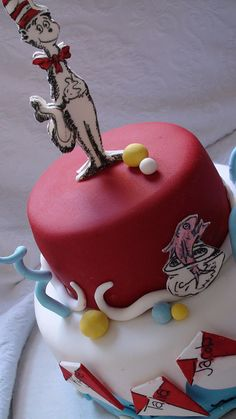 Cat in the hat cake by Kylie Lambert (Le Cupcake), via Flickr