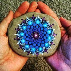 Piedras pintadas con mandalas                                                                                                                                                                                 Más