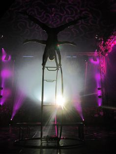 Double wheel | German Wheel | Wheels | Circus | Performers | Romantic | Themed | Entertainment Agency | Corporate Entertainment | Agence de Spectacle | Talents Agency
