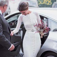 "210 mentions J'aime, 2 commentaires - Marta Beriain (@marrymarta) sur Instagram : ""María pic @pictura_fotografia - . . . . #MarryMarta #noviasconestilo #weddingplanner…"""