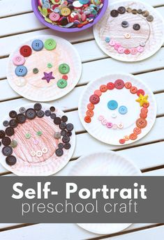 Paper Plate & Button Self Portrait Preschool Craft One of the most classic preschool themes used (us All About Me Project, All About Me Crafts, All About Me Art, Preschool Art Projects, Preschool Art Activities, Preschool Lessons, All About Me Activities For Preschoolers, Preschool Printables, Preschool Family Theme