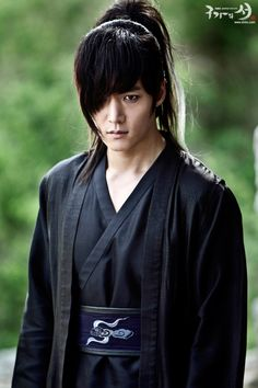 "One of the Reasons to Watch ""Gu Family Book"". Choi Jin Hyuk ♡ - Gu Family Book .. THE BEST DRAMA IN THIS YEAR .. wohooo"