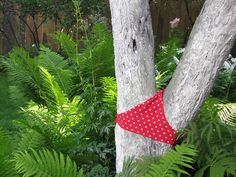 Artist Yevgeny Dobrovinsky creates eccentric outdoor projects from putting underwear on trees to adding toy eyes to the pavement. Below: More outdoor projects by Yevgeny Dobrovinsky. Photos © Yevgeny Dobrovinsky Link via It's Nice That and English Russia. http://illusion.scene360.com/art/14906/trees-wearing-sexy-lingerie/
