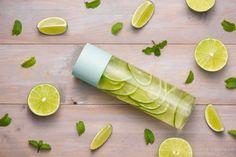 Detox Infused Water With Lime And Mint In Sports Bottle, With Slices Of Lime. Healthy Filling Snacks, Healthy Eating Tips, Diet And Nutrition, Yummy Snacks, Pear Smoothie, Smoothie Recipes, Detox, Slice Of Lime, Bacon And Egg Casserole