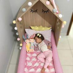 """1,573 curtidas, 16 comentários - Tricae (@tricaebr) no Instagram: """"Nana, nenê que os pijamas quentinhos a gente garante! Foto:@boneca.maite…"""" Girl Room, Girls Bedroom, Baby Room, Baby L, Minnie Birthday, Fashion Room, Cool Rooms, Personalized Baby, Kids And Parenting"""