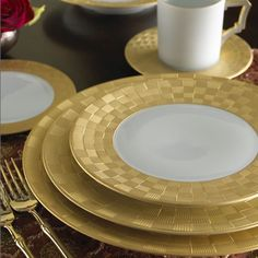 luxurious dinnerware | ... Dinnerware - Selections: The Luxury Shopping Guide from Luxury-Insider