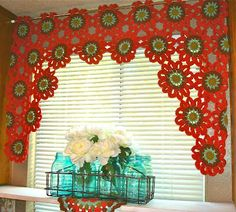 See the photo of the valance done in many bright amazing colors! Once Upon A Pink Moon: Flower Power Valance Tutorial Crochet Curtain Pattern, Crochet Curtains, Diy Curtains, Kitchen Curtains, Kitchen Windows, Crochet Home Decor, Crochet Crafts, Crochet Projects, Diy Crafts