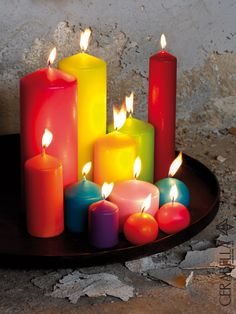 With other candles? Candle Lanterns, Pillar Candles, Diy Candles With Crayons, Beautiful Flowers Images, Cute Candles, Candle Accessories, Candle Magic, Light My Fire, Tuscan Decorating