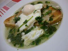 As Minhas Receitas: Sopa de Pão, Alho e Coentros com Ovo Escalfado