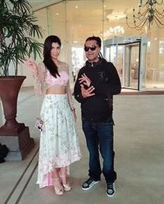 Spotted Gorgeous #HiraShah wearing #HiraShah couture with #UK singer #ApacheIndian at the #taj hotel in #Colombo #Singer #Music #Fashion #Style #Bollywood #BollywoodFashion #MovieShoovy