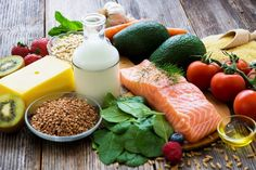 Banting diet food list: a guide to the food you can eat on this diet. Diet Ketogenik, Gaps Diet, Diet Food List, Low Carb Diet, Food Lists, Paleo Diet, Good Foods To Eat, Healthy Foods To Eat, Healthy Snacks