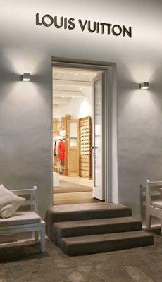 Louis Vuitton new Pop Up Store in Mykonos