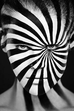 Monochrome Make-Up, portraits d'Alexander Khokhlov.