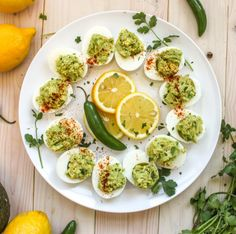 Guacamole Deviled Eggs 29 Quick And Easy Oscars Party Appetizers Seitan, Tempeh, Appetizers For Party, Appetizer Recipes, Appetizer Ideas, Party Recipes, Guacamole Deviled Eggs, Avocado Guacamole, Holy Guacamole