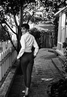 1953. Audrey Hepburn walking away. - Serge Mouravski - Google+