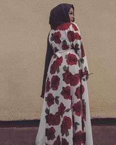 @xoxomunsta Abaya Fashion, Fashion Wear, Modest Fashion, Habiba Da Silva, Abaya Style, Hijab Styles, Hijab Chic, Beautiful Hijab, Muslim Women