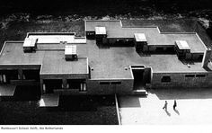 Herman Hertzberger - Edifícios Escolares: Montessori School Delft.