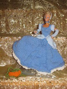 Crochet Barbie Clothes, Crochet Dolls, Doll Clothes, Knit Crochet, Crochet Hats, Barbie And Ken, Barbie Dolls, Fashion Dolls, Crochet Projects