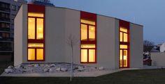 Casa passiva. Location: Hradec Krŕlovč, Repubblica Ceca; firm: Jiří Pavlíček e Jaroslav Hulín, Echorost Architekti