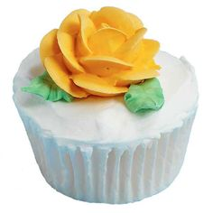 Roses are everyone´s favorite flower! Plant one on each cupcake and give a different color bloom to each guest!