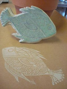 """Hand made & original design stamp """"Pez"""" by nora clemens-gallo Stamp Printing, Printing On Fabric, Screen Printing, Homemade Stamps, Stamp Carving, Linoprint, Fish Print, Linocut Prints, Fabric Painting"""
