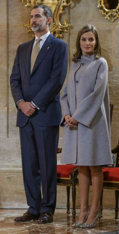 28 November 2017 - King Felipe and Queen Letizia visit Caravaca, Murcia - coat and dress by Carolina Herrera, shoes by Magrit, clutch by Lidia Faro
