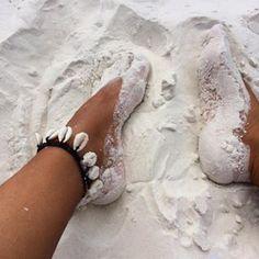 Natural Tanning Oil, Lotion & Skincare Range – Bali Body US Beach Aesthetic, Summer Aesthetic, White Aesthetic, Summer Goals, Summer Of Love, Summer Pictures, Beach Pictures, Summer Feeling, Summer Vibes