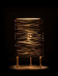 Paavo Tynell, Rare lampe de table, circa 1950. Structure et réflecteur en laiton, diffuseur en verre dépoli. Edition Taito Oy. Estampille de l'éditeur. Hauteur: 27,50 Largeur: 16,50 cm. Estimate: 15 000 - 20 000 €. © Artcurial.