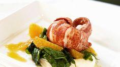 Überraschen Sie doch einmal Ihre Gäste: Hummerschwanz mit Mandarine und Pastinaken-Vanillesoße | http://eatsmarter.de/rezepte/hummerschwanz-mit-mandarine-und-pastinaken-vanillesosse
