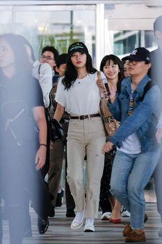 Red velvet off to bangkok for redmare concert Korean Airport Fashion, Korea Fashion, Kpop Fashion, Asian Fashion, Fashion Pants, Fashion Outfits, Kpop Outfits, Korean Outfits, Casual Outfits