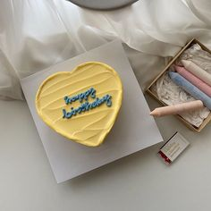Lemon Birthday Cakes, Pretty Birthday Cakes, Birthday Cake Toppers, Pretty Cakes, Cute Cakes, Beautiful Cakes, Yummy Cakes, Amazing Cakes, Birthday Cake Decorating
