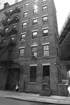 New York Street Photography. 126 Front Street, Brooklyn. http://frank-romeo.artistwebsites.com/
