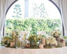 yumiさんはInstagramを利用しています:「2016.8.17* プレ花嫁さんに刺激されて 久しぶりにwedding report! メインテーブル〜❁ Green×White×ちょっとだけyellow 鳥カゴやミニカゴの小物も使ってて 本当素敵に可愛くしてくれて 丸ごと持って帰りたかったくらい!笑…」 Wedding Decorations, Table Decorations, Table Flowers, Flower Centerpieces, Wedding Flowers, Table Settings, Display, Bridal, Yellow
