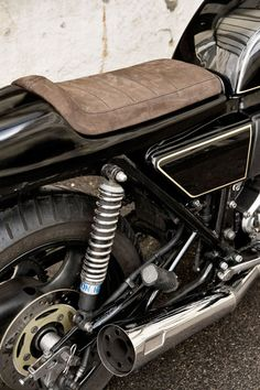SUZUKI GS750 by WRENCHMONKEES