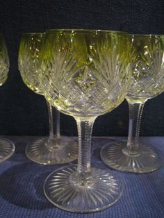 Cristal - SAINT LOUIS - Modèle GAVARNY French Table, Saint Louis, Crystal Glassware, Crystal Palace, Decoration Table, Fine China, Table Settings, Carving, Lorraine