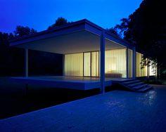 Farnsworth House | Plano, Illinois | Mies van der Rohe | photo © Nathan Kirkman