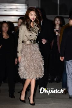 Sooyoung snsd  September 26 Burberry's 'Art of the Trench' event in Seoul. chic trench coat and fluffy skirt,  The 'Art of the Trench' is a special project featuring the global story of how various people across the world wear their trench coats. For September, Burberry focused in on the people of Seoul. ∞
