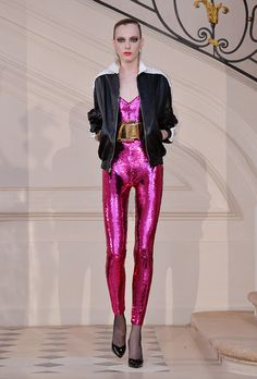 Hedi Slimane showed an Saint Laurent Haute Couture collection today during Paris Fashion Week's Fall 2016 shows. Punk Fashion, Party Fashion, Fashion 2017, Runway Fashion, Woman Fashion, Ysl, Studio 54 Moda, 80s Glam Rock, 70s Glam