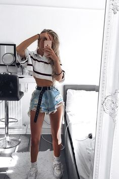 Minimalist And Simple Outfit Ideas Perfect for Summer – Trendy Fashion Ideas Rave Outfits, Girl Outfits, Fashion Outfits, Fashion Ideas, Look Fashion, Teen Fashion, Teenage Outfits, Cute Casual Outfits, Cute Concert Outfits