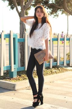skinny jeans and lace top with block heeled sandals