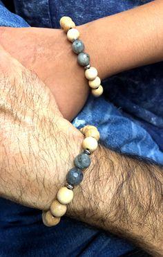 BraceletsCouple Distance en perles de bois et Labradorite Bracelet Couple, Labradorite, Distance, Creations, Beaded Bracelets, Jewelry, Stretch Bracelets, Beads, Woodwind Instrument