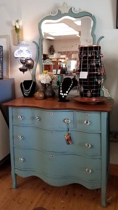 Items similar to SOLD ** NLA! farmhouse furniture, serpentine dresser on Etsy – FARMHOUSE IDEAS Paint Furniture, Furniture Styles, Furniture Projects, Furniture Making, Furniture Makeover, Cool Furniture, Bedroom Furniture, Furniture Movers, Modern Furniture