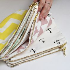 Zana Pouches are now for sale! My Bags, Purses And Bags, Tote Bags, Sewing Crafts, Sewing Projects, Fabric Bags, Handmade Bags, Zipper Pouch, Diy Clothes