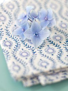 bungalow küchentuch lulu blue http://www.wunderschoen-gemacht.de/shop/kuchentucher-handbedruckt/62-kuchentuch-lulu-blau.html