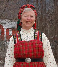 FolkCostume&Embroidery: Bunad and Rosemaling embroidery of Hallingdal, Buskerud, Norway Norway Culture, Folk Costume, Costumes, Everyday Dresses, Plain Black, Traditional Dresses, Christmas Sweaters, Plaid, Embroidery