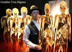 "Gunther Von Hagens ""BodyWorlds""----he's a flipping genius! Gunther Von Hagens, Anatomy Reference, Art World, Amazing, Nature, Exhibit, Flipping, Painting, Science"