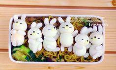 I couldn't eat that! It's to adorable! Bento Kawaii, Cute Bento, Cute Food, Good Food, Yummy Food, Comida Disney, Japanese Food Art, Little Lunch, Bento Recipes