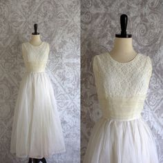 1950s Lace and Tulle Long Length Wedding Dress $156.00