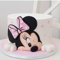 Cake Minnie ❤️ Was hast du gedacht? Bolo Do Mickey Mouse, Bolo Minnie, Minnie Mouse Birthday Cakes, Baby Birthday Cakes, Minnie Mouse Cake, Mickey Birthday, Baby Cakes, Girl Cakes, Disney Cakes