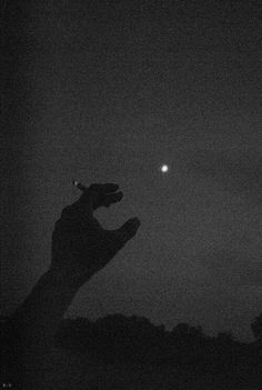 cigarette, late night, with the company of the moon xx Night Aesthetic, Bad Girl Aesthetic, Aesthetic Grunge, Aesthetic Dark, Aesthetic Anime, Photo Triste, Rauch Fotografie, Cigarette Aesthetic, Smoke Photography